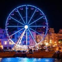 Monopoli, arriva la ruota panoramica: nella notte di Capodanno resterà aperta fino all'alba