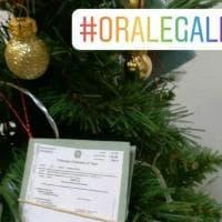 Al tribunale di Trani sull'albero di Natale i fascicoli dei processi