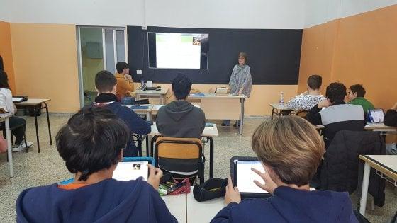 """Bari, scene di aborti nell'ora di religione in un liceo. La denuncia M5S: """"Studenti sconvolti"""""""