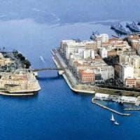 Taranto dice no alla plastica: dall'1 gennaio bicchieri e stoviglie vietati