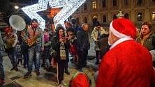 Elfi in via Manzoni per la notte bianca