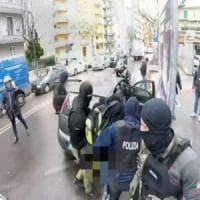 Terrorismo, il 20enne arrestato a Bari progettava un attentato a San Pietro per Natale:...