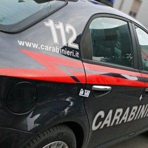 Brindisi, aggredisce i carabinieri con una zappa: 47enne fermato con lo spray al peperoncino