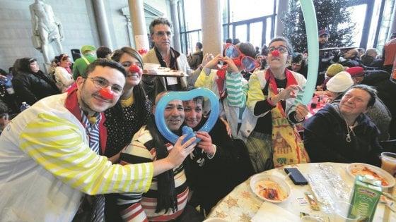 Bari, pranzi e cene della solidarietà: le iniziative del Comune e delle associazioni per Natale