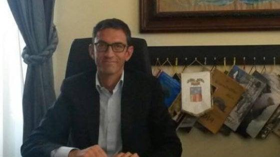 """Trani, due proiettili sotto casa del sindaco Bottaro. Decaro (Anci): """"Siamo tutti con te"""""""