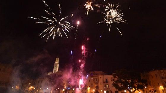 Botti di Capodanno, a Bari divieti ignorati. Venti feriti in Puglia, a Taranto grave un 39enne