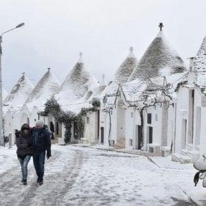 """In Puglia arriva il gelo artico, allerta della protezione civile: """"Neve e strade ghiacciate"""""""