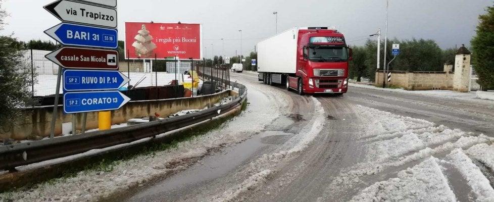 Emergenza neve in Puglia e a Matera: interrotta circolazione dei bus, a rischio treni e voli