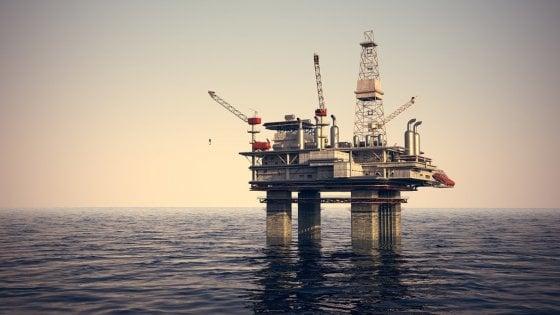 """Trivelle, la denuncia dei Verdi: """"Via libera da Di Maio alle ricerche di petrolio nel mar Ionio"""""""