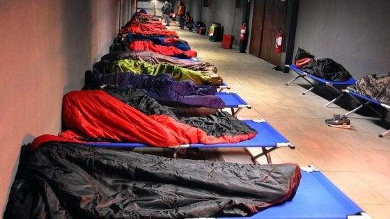 """Senzatetto, l'appello social di un ristoratore di Lecce: """"Offro cibo e un letto in casa mia"""""""