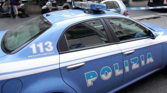 Foggia, sorpresa a rubare in un supermercato lancia ammoniaca contro gli addetti: 37enne arrestata