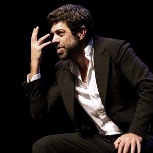 Pierfrancesco Favino sul palco con il monologo di Koltès: il 22 gennaio a Brindisi, dal 23 a Bari