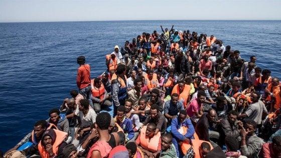 Migranti, a Taranto il corteo 'Sicuri di restare umani': il 19 gennaio in piazza per l'accoglienza