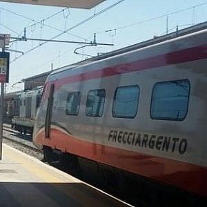 Guasto linea elettrica, bloccata la tratta Caserta-Foggia: il Frecciargento fermo per ore