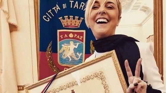 """Taranto, Nadia Toffa cittadina onoraria: """"Siete la mia forza, ho imparato da voi a combattere"""""""