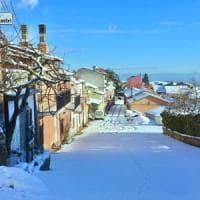 Neve nel Barese, Altamura è imbiancata. Scuole chiuse sui monti Dauni