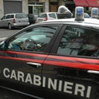Barletta, pregiudicato 57enne ucciso in strada: colpi di pistola da un'auto