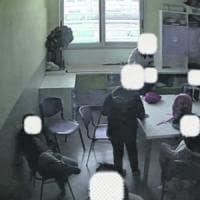 """Bari, violenze sui bambini autistici nel centro di riabilitazione: per la difesa """"tecniche..."""