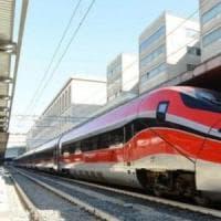 Treni, Bari-Roma fermo per un'ora. La consigliera: