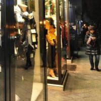 Bari,  sconto sulla tassa dei rifiuti ai commercianti che tengono accese le vetrine di notte