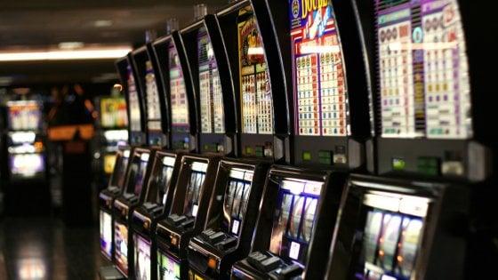 Slot e gioco d'azzardo, Lecce è la maglia nera. I baresi spendono 1.400 euro l'anno
