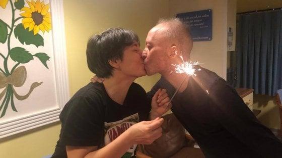 Si sposa poche ore prima di morire: Diego, malato terminale, dice sì alla sua Annalisa