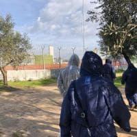 Gasdotto Tap, nel Salento gli attivisti protestano con le tute anticontaminazione