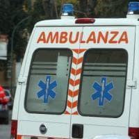 Lecce, cede pannello: 72enne precipita da sei metri e muore davanti al figlio