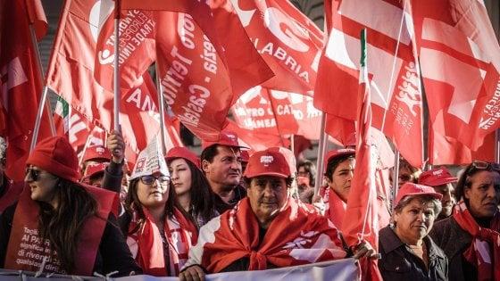 La Cgil a congresso per scegliere l'erede di Camusso: a Bari sfida in bilico tra Landini e Colla