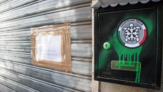 Bari, la sede di CasaPound rimane sotto sequestro. Il gip: c'è ancora pericolo