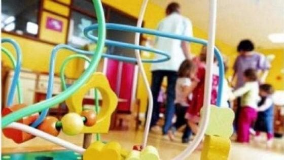 Foggia, raid di 2 malviventi armati in un asilo davanti ai bambini terrorizzati: aula a soqquadro, nessun ferito