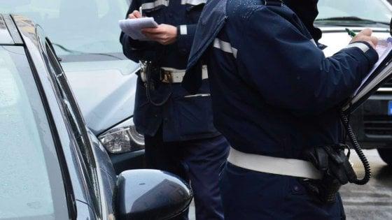 Fazzoletti gettati dal finestrino dell'auto o cani senza guinzaglio: le 'altre' multe elevate a Bari
