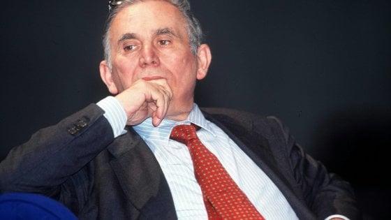 Tatarella, la Camera ricorda 'Pinuccio', il politico pugliese che inventò una Destra che non c'è più