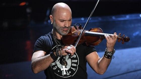 A Sanremo tutti in piedi per Alessandro Quarta: il violinista pugliese famoso nel mondo (che l'Italia non conosceva)