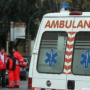 Fa motocross e finisce contro albero, muore 34enne a Otranto