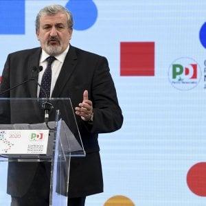 Magistrati in politica, il Csm 'ammonisce' Michele Emiliano per il suo ruolo nel Pd