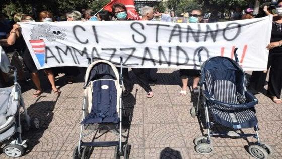 """Taranto, un gruppo di genitori raccoglie su Facebook le storie dei bambini uccisi dal cancro: """"Sono tantissimi, è una Spoon River"""""""