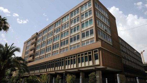 Bari, avances sulle studentesse all'Università: chiuse le indagini sul professore di Giurisprudenza