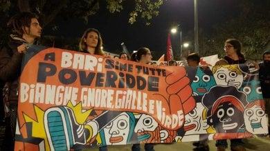 'Bianchi e neri, a Bari siamo tutti poveretti': la protesta antirazzista contro Salvini