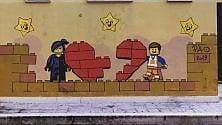 Bari, l'urban art di Pao colora la città con i Lego