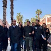 """Salvini passeggia per il centro di Bari: """"Che spettacolo"""""""