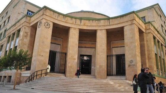 """Bari, studente bloccato dal custode della biblioteca universitaria: """"Solo perché nero"""""""
