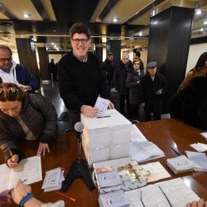Cinquantamila in coda per le primarie del Pd, Zingaretti in Puglia sopra il 60 per cento