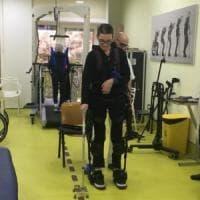 Un robot per camminare dopo l'ictus: l'esoscheletro hi-tech testato su 48 pazienti