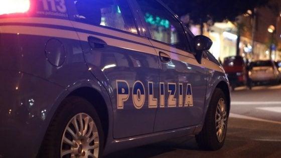 Taranto, violenze sessuali sui 4 figli minorenni e disabili: madre arrestata con il compagno e un amico