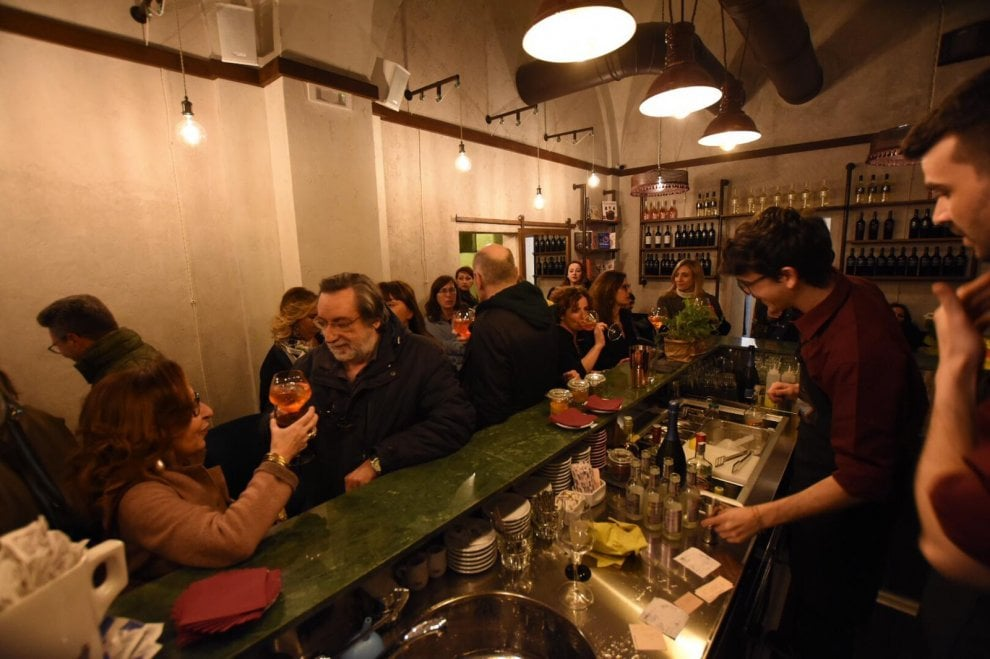 Bari, la cultura al bar: apre in centro Portineria21