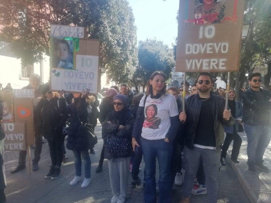 In piazza per il clima, a Taranto i genitori dei bambini morti di tumore