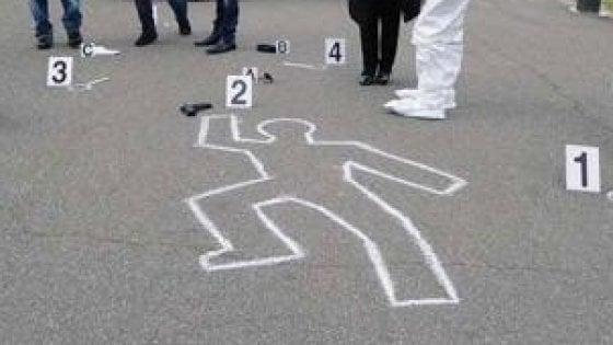"""""""Centomila euro a chi fa arrestare l'assassino di mia sorella"""": a Foggia il cold case di una 35enne uccisa in strada"""