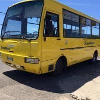 Lecce, bimbo di 3 anni dimenticato per 5 ore nello scuolabus. La madre rompe