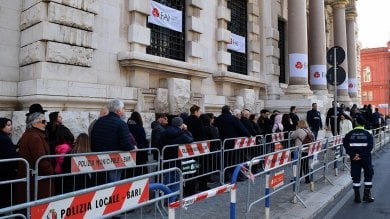 Foto  Giornate Fai, a Bari centinaia  in coda per scoprire la Banca d'Italia